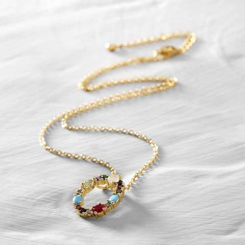 Olivia, Odette. Short necklace with the letter O